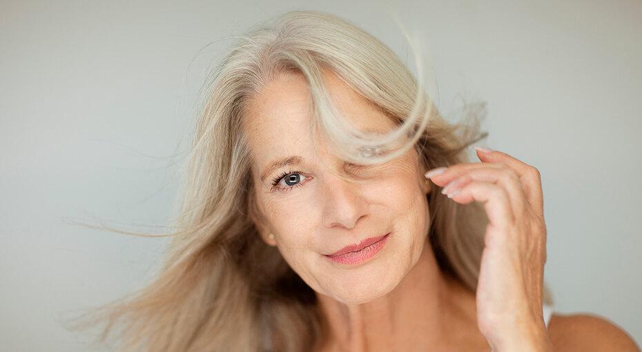 Пора менять: 6 привычек вуходе заволосами, скоторыми лучше расстаться после 40 лет