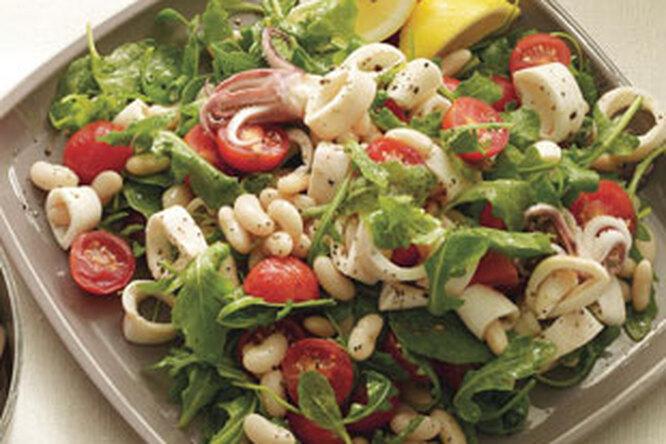 Салат с осьминогами и белой фасолью