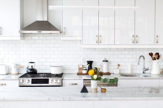 6 многофункциональных предметов, которые сэкономят место натесной кухне