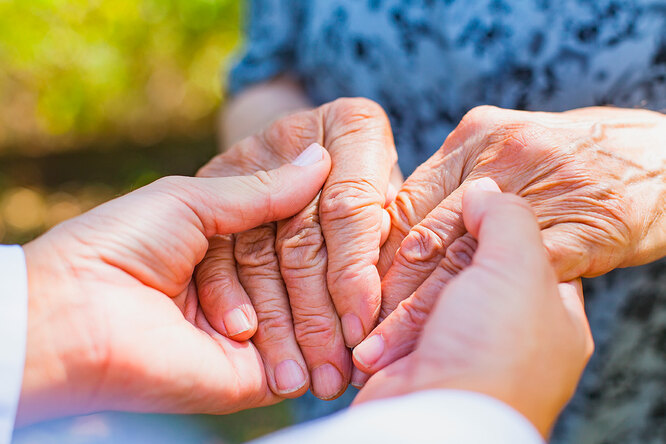 В Израиле создали лекарство, полностью устраняющее симптомы болезни Альцгеймера