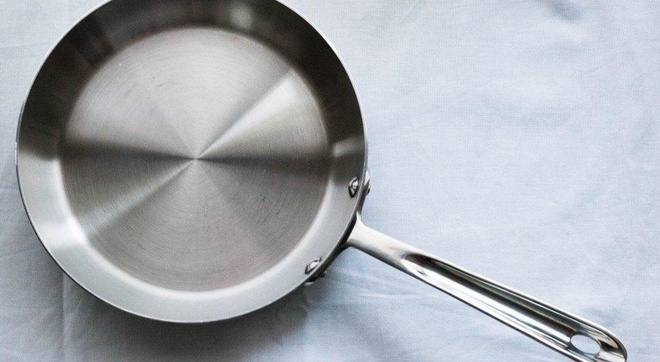 Как пользоваться сковородой изнержавейки, чтобы ничего непригорало