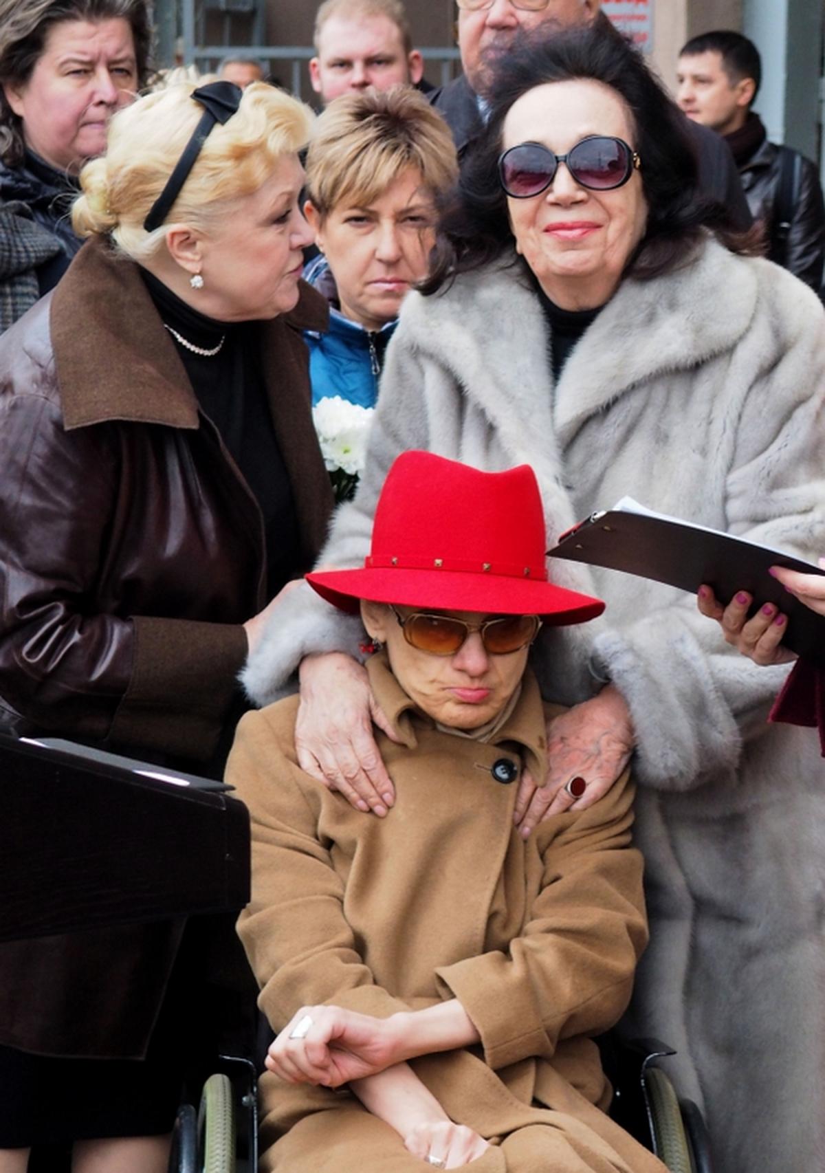 Наталья Дрожжина, Гитана Леонтенко, Мария Баталова