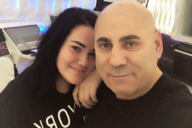 «Папа предупреждал»: дочь Иосифа Пригожина сматерью ибабушкой остались безжилья