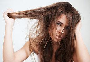 Почему быстро пачкаются волосы и что с этим делать