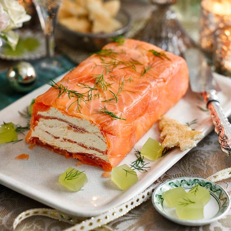 Праздничная закуска с красной рыбой