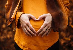 «К этому нельзя подготовиться»: мужчина принял роды у жены на парковке парка