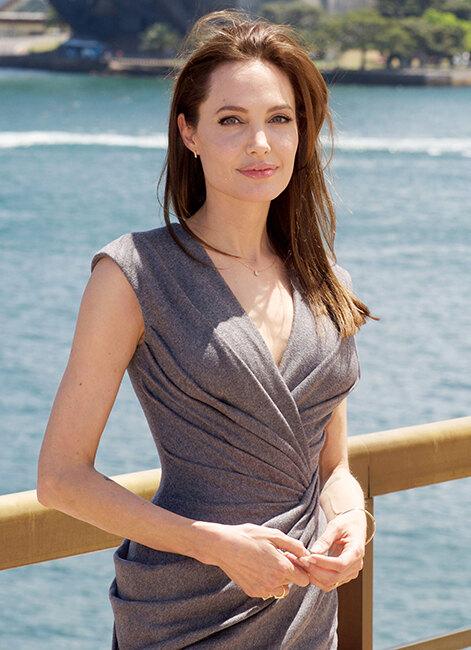 Анджелина Джоли (40 лет), актриса, режиссер, посол доброй воли ООН
