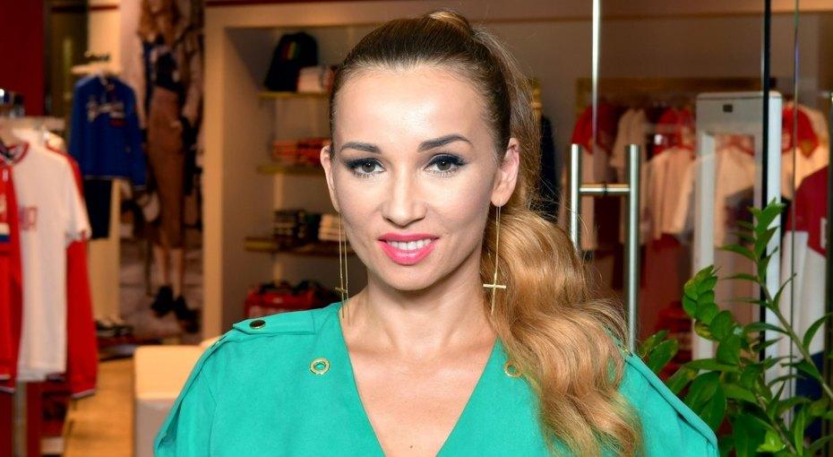 «Медузоподобные лица и замороженные лбы»: Анфиса Чехова высказалась против ботокса