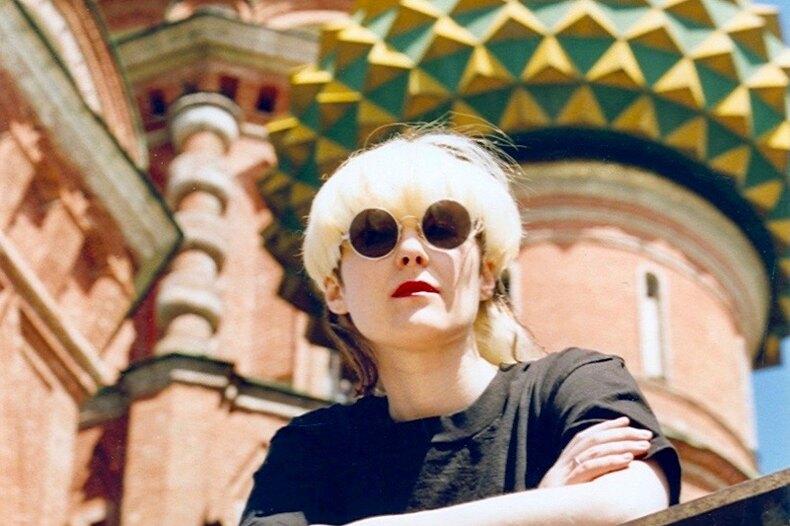 Джоанна Стингрей едет вРоссию с«Настоящей историей русского рока»