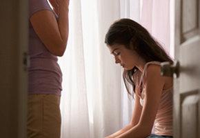 Не заставляйте их худеть. Подростки, которых родители принуждали к диете, затем повторяют это со своими детьми