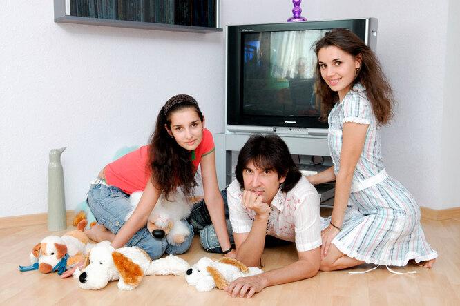 Кай Метов с дочерью Кристиной и супругой Ольгой