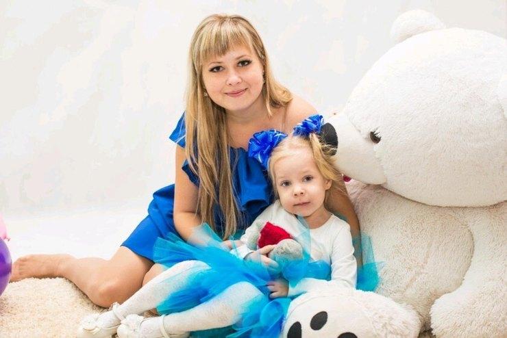 Алена Хитеева сдочерью