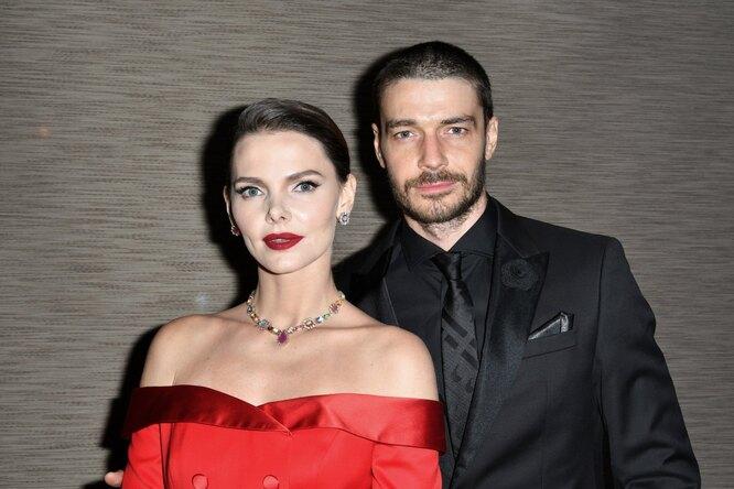 Максим Матвеев с женой Елизаветой Боярской