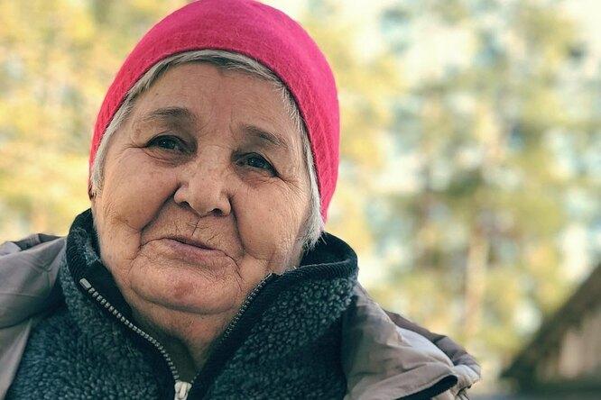 81-летняя россиянка, борясь сдеменцией, стала популярным блогером