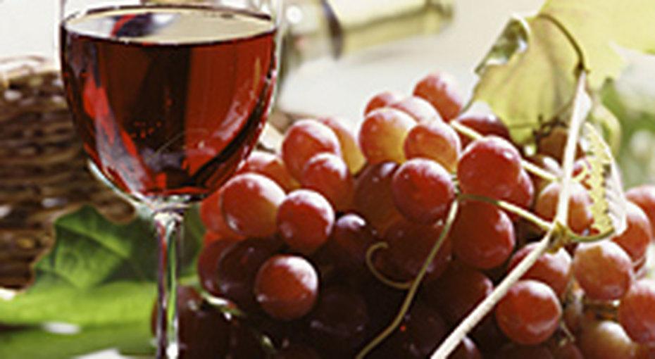 Красное вино замедляет процесс старения