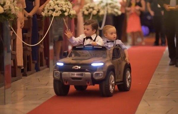 Дети вавтомобиле