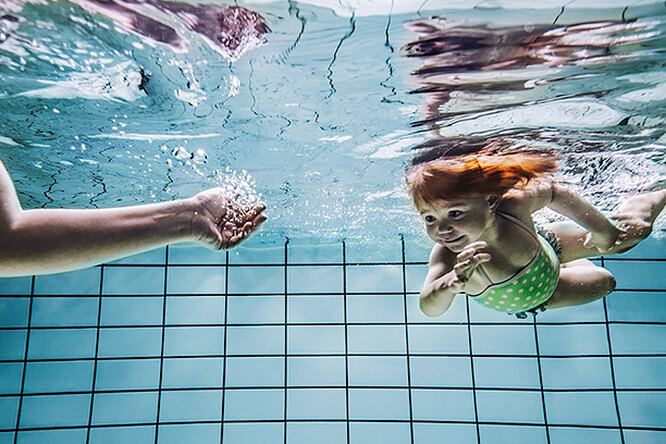 Как научить ребенка плавать: 10 главных «можно» и«нельзя»