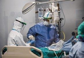«Я видел, как умирают мои пациенты, и был готов к худшему» — история итальянского врача, переболевшего коронавирусом