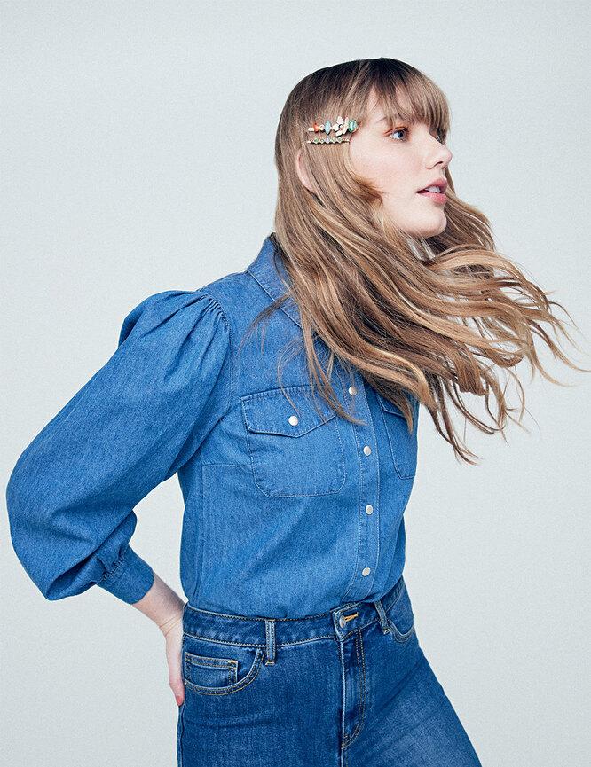 Рубашка, Warehous; топ, La Redoute; джинсы, Marks & Spencer; заколки, Accessorize