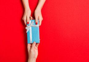 Топ самых плохих подарков на Новый год
