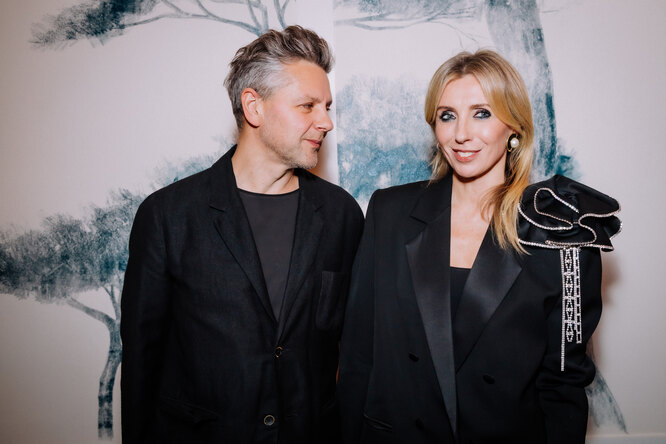 Светлана Бондарчук смужем вчёрном идекольте Жени Малаховой: премьера «Чаки»