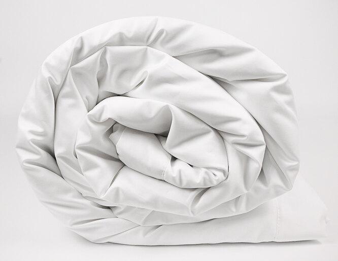 """""""Разговор подушек"""", шёлковое одеяло в сатине"""