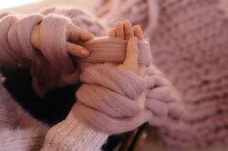 Вязание напальцах: 5 полезных вещей, которые можно связать безспиц икрючка