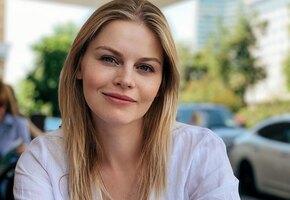 Фен для волос, кокон и белый шум: актриса сериала «Берёзка» Анастасия Стежко рассказала, как успокоить младенца