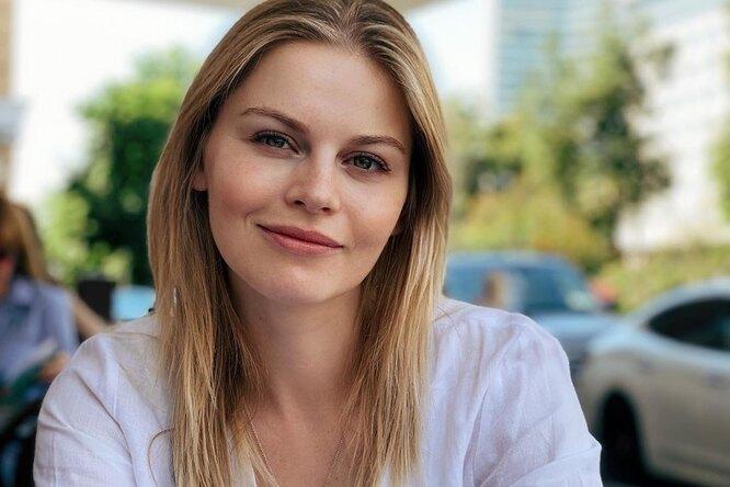 Фен дляволос, кокон ибелый шум: актриса сериала «Берёзка» Анастасия Стежко рассказала, как успокоить младенца