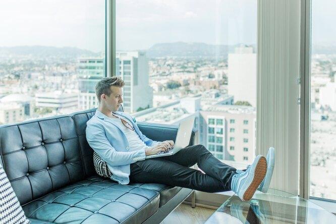 мужчина, офис, нью-йорк, небоскреб, ноутбук