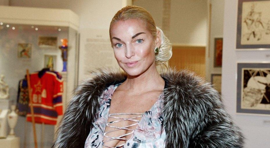 «Прекрасное благородное лицо»: Анастасия Волочкова показала детское фото сматерью вдень ее рождения