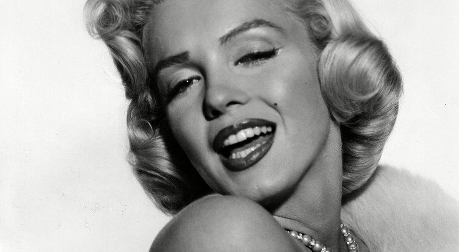 6775a6ac1 Роковая блондинка в поисках счастья. Мэрилин Монро и ее мужчины ...