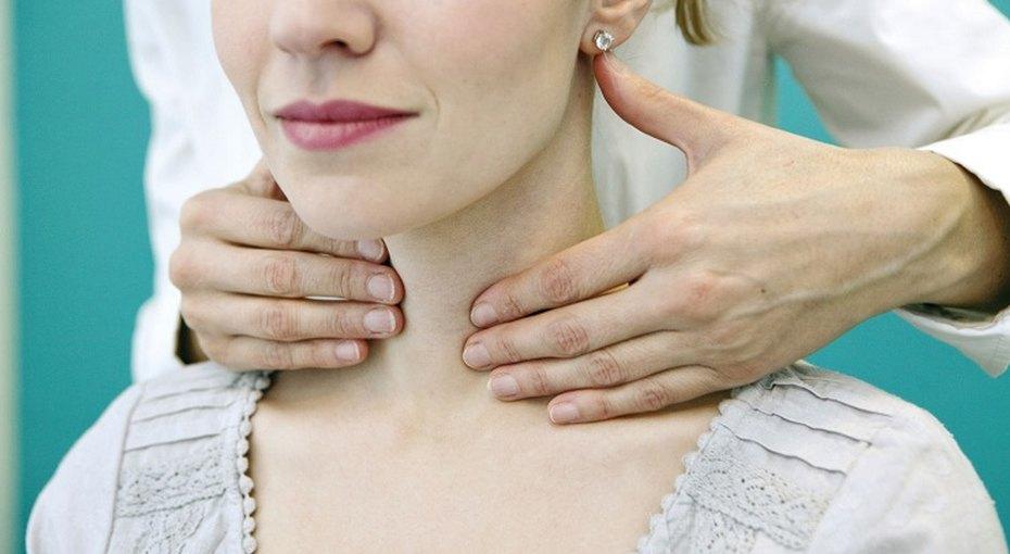 6 ранних симптомов рака щитовидной железы, которые надо знать инельзя пропустить