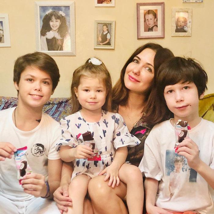 Екатерина Климова смладшими детьми