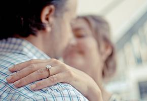 «Тебе некому жаловаться»: история насилия, которая началась с любви и заботы