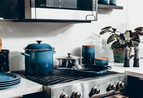 9 предметов, которые только мешают на маленькой кухне
