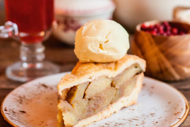 Отличный яблочный пирог, который вам заменит банальную шарлотку