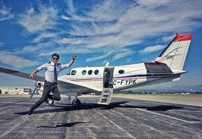 Молодой пилот сменил штурвал на сумку курьера — и начал другую жизнь