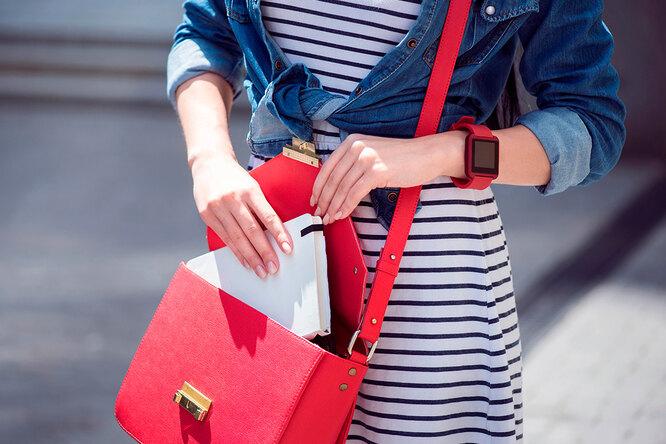 Очки-кошечки, лакированная сумочка иеще 5 красных аксессуаров налето до1000 рублей