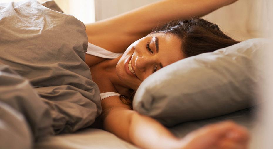 Хорошая память, устойчивость кстрессу, долголетие - иеще 5 преимуществ, которые подарит вам дополнительный час сна