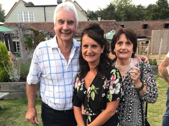 Терри и Бренда с дочерью Эвой