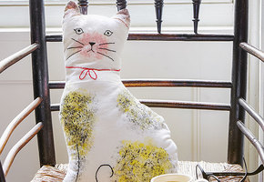 Кошка-подушка. Как самой сделать оригинальную вещь?