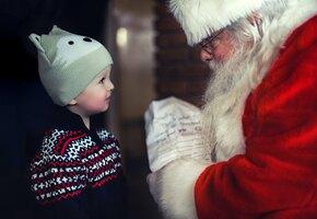 Санта может всё – даже поздравить больных детей на пожарной машине