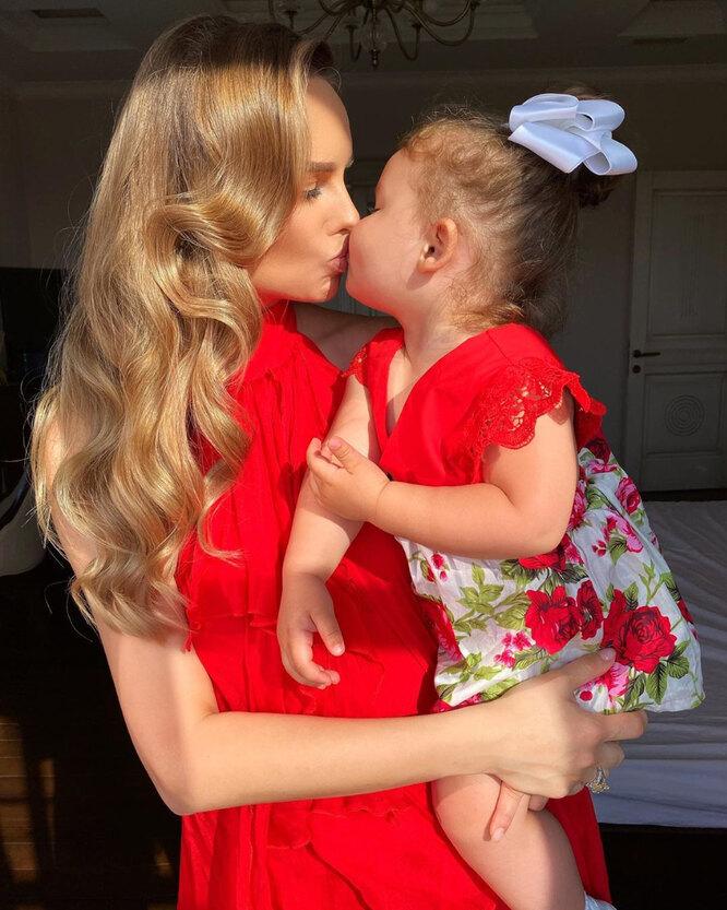 Ханна с дочерью