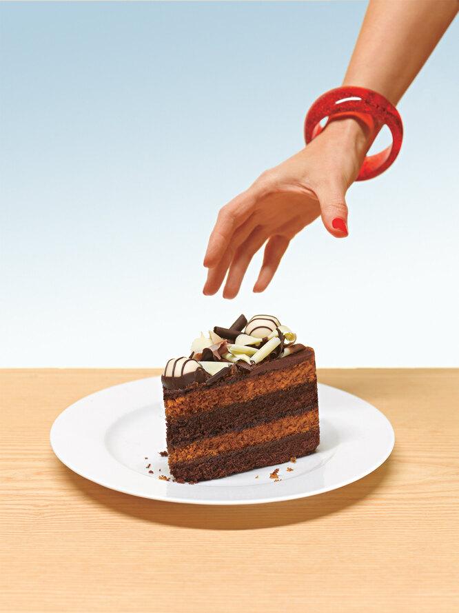 рука, торт