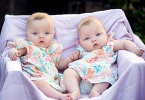 Невероятная лазерная операция проведена на 13 неделе беременности. Это спасло близнецов!