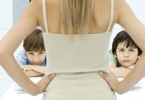 10 фраз, которые нельзя говорить детям