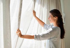 Как грамотно постирать шторы, чтобы они не сели