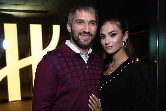 «Папе снова 17»: Александр Овечкин сбрил бороду иусы