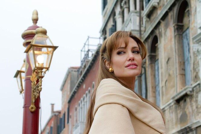 Анджелина Джоли: 10 малоизвестных фактов ознаменитой актрисе